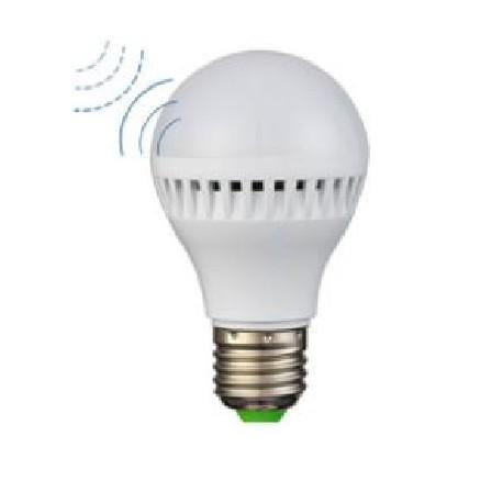 LED žárovka s pohybovým a světelným senzorem  7 W